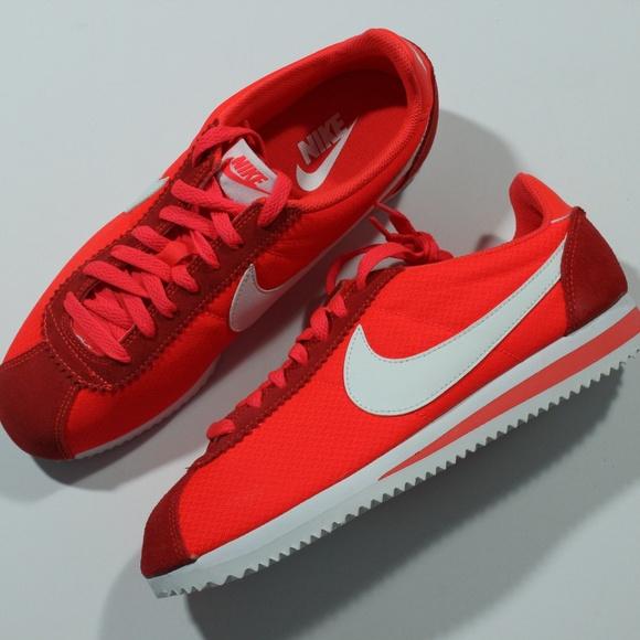 4fc1523c9032 Nike Classic Cortez Nylon 749864-616 Bright Crimso.  M 5beb3e022beb79e2e2fecaf6